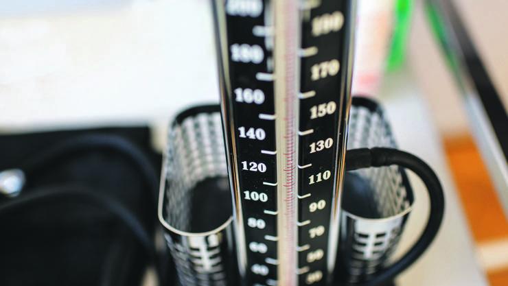 Ist das Gesundheitssystem erkrankt? Die Belastung für die Prämienzahler steigt auch dieses Jahr wieder um vier Prozent.