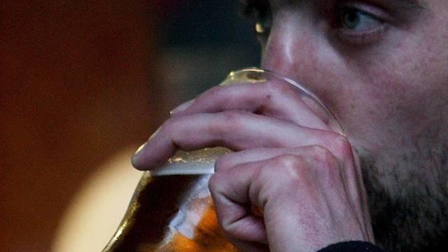 Alkoholkonsum bei Trinkgelagen besonders ungesund