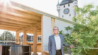 Ammann Franz Bertschi 2017 an der Badenfahrt vor dem Zurzibieter «Baumhuus»-Pavillion. In Lengnau soll ebenfalls ein Fest für die Gemeinde und die Region entstehen.