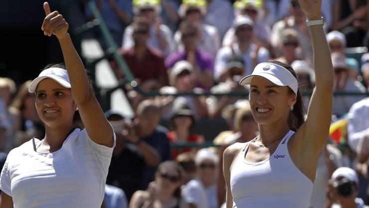 Feierte an der Seite von Sania Mirza ihren dritten Doppeltitel in Wimbledon: Martina Hingis (rechts)