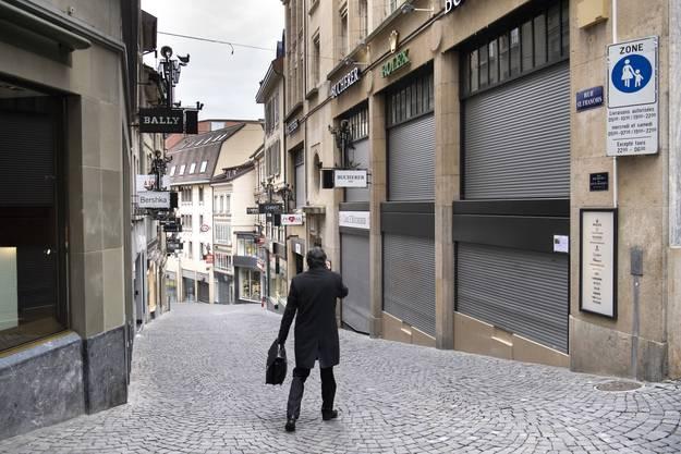 Geschlossene Läden in Lausanne.