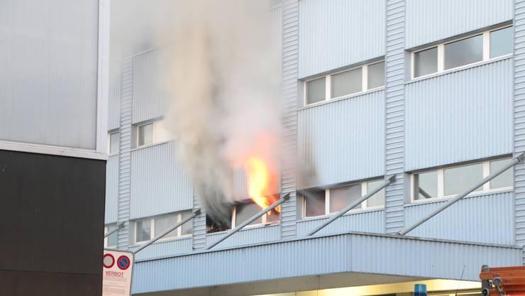 Brand In Industriegebäude Mehrere Zehntausend Franken Schaden