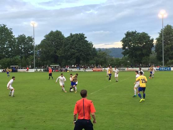 Szene aus dem Spiel beim FC Entfelden: Koblenz siegt mit 2:1.
