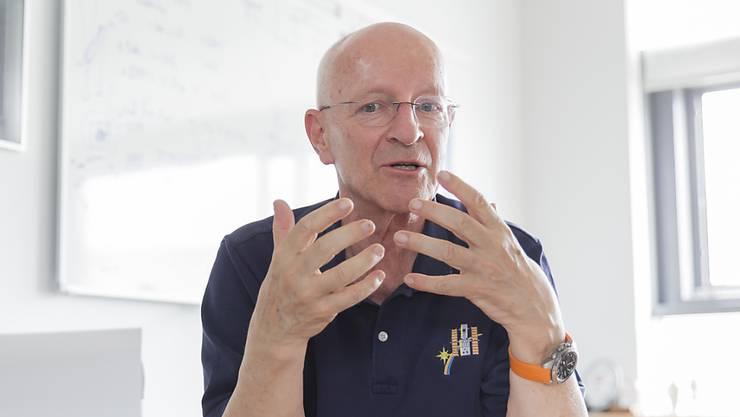 Der ehemalige Astronaut und Militärpilot Claude Nicollier gibt eine Zweitmeinung zu den Beschaffungsplänen der Luftwaffe ab. (Archivbild)