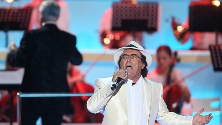 Al Bano Carrisi, hier bei einem Auftritt 2013, ist nach einem Konzert mit Verdacht auf Blutleere in ein Spital eingeliefert worden. (Archiv)
