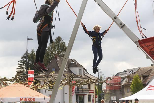 Allerlei verschiedene Aktivitäten auf dem Festplatz Biberist