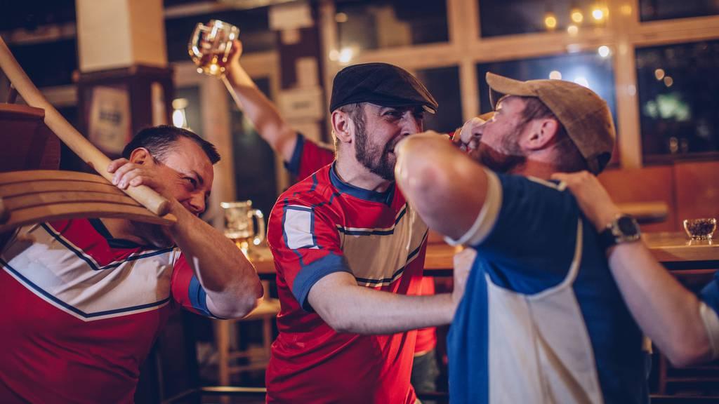 Mann wird bei Rangelei in einem Restaurant in Baar verletzt (Symbolbild)