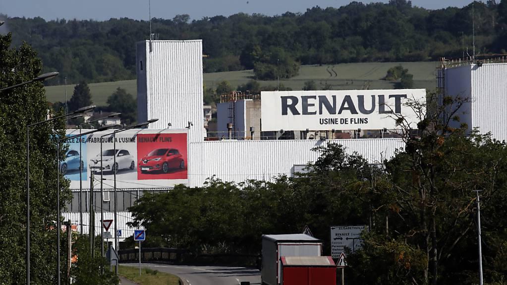 Der französische Autobauer Renault hat im ersten Halbjahr einen Milliardenverlust erlitten. (Archivbild)