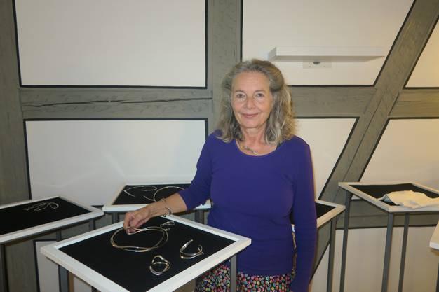 Angela Hunter: Silberschmuck.