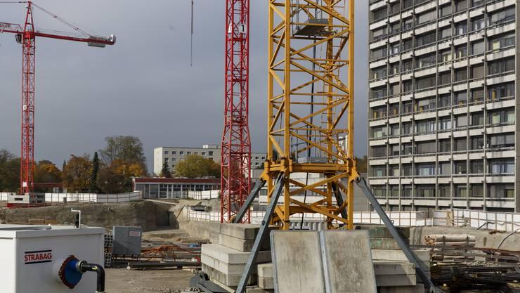 Seit Anfang September (und noch bis Ende Januar) entsteht auf 9800 Quadratmetern das Fundament für den Betten- und Behandlungstrakt des neuen Bürgerspitals.