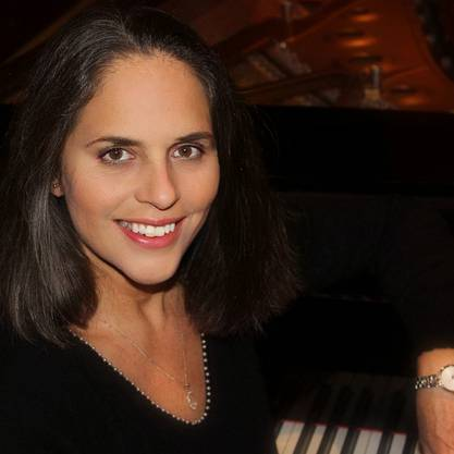 Christiane Mathé, Pianistin.