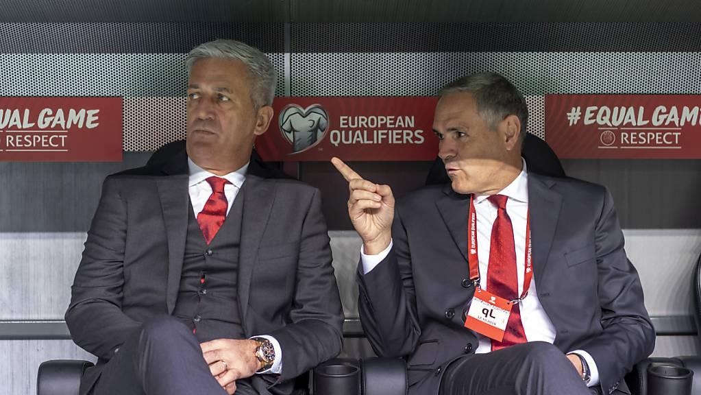 Pierluigi Tami (rechts) ist für Vladimir Petkovic ein Chef, der im Hintergrund bleibt