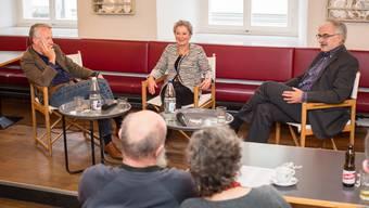 Talk in der «Krone»: Marcel Guignard (rechts), Ehefrau Annelies und Moderator Walter Vogt.