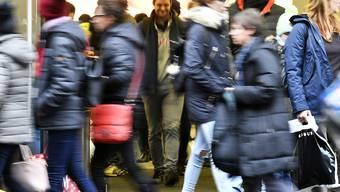 Grossandrang an der Zürcher Bahnhofstrasse: Der Kanton Zürich zählt erstmals mehr als 1,5 Millionen Einwohner. (Archivbild)