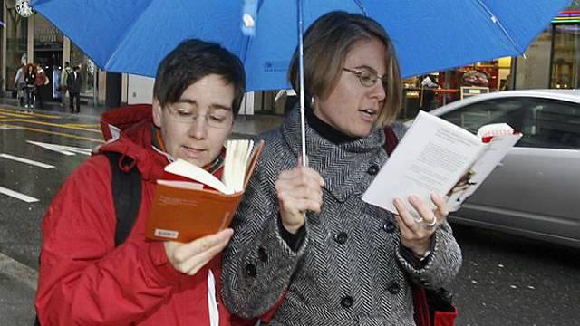 Bücherfans in Luzerner Innenstadt