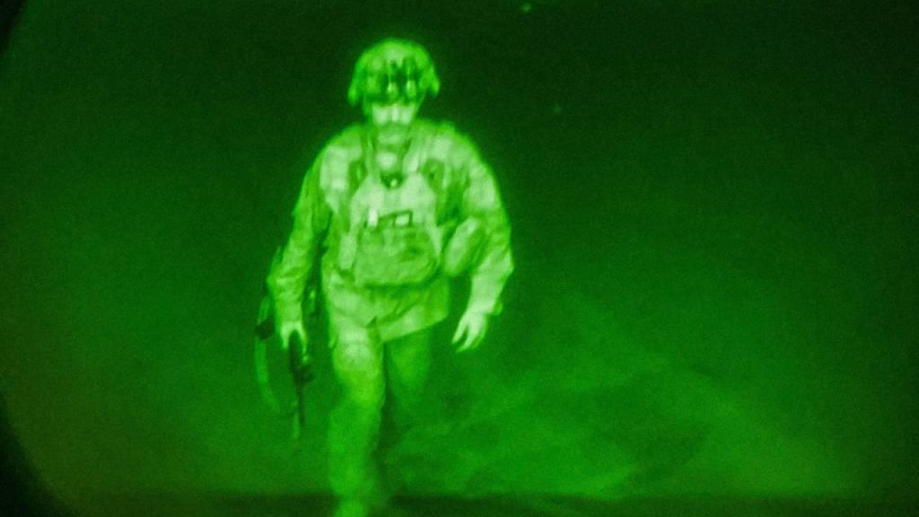 Ikonisches Bild: Der letzte US-Soldat, der Afghanistan verlässt