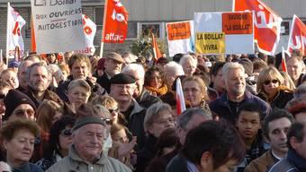 Swissmetal-Arbeiter streiken im Jahr 2006. 2011 wurde in der Niederlassung Dornach ein Nachlassverfahren durchgeführt, um einen Neustart beschreiten zu können.