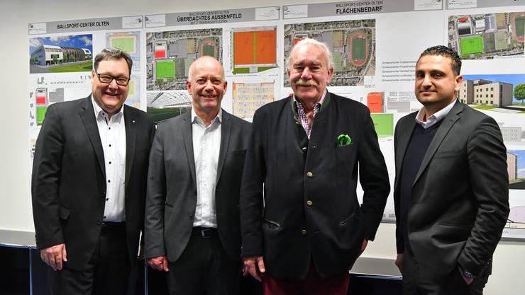 Stadtpräsident Martin Wey (Mitte) unterstützt das Projekt von Marc Thommen (l.) und Massimo Hauswirth (r.). (Archivbild)