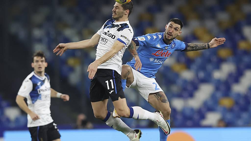 Remo Freuler geht mit Atlanta Bergamo hoch hinaus - hier im Cup-Halbfinal gegen Napoli, und am Mittwoch in der Champions League gegen Real Madrid?