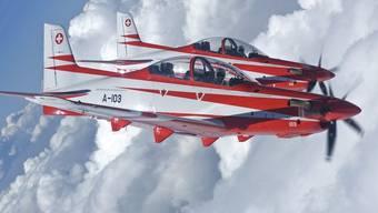 Zwei Trainingsflugzeuge Pilatus PC-21 der Schweizer Luftwaffe (Symbolbild)