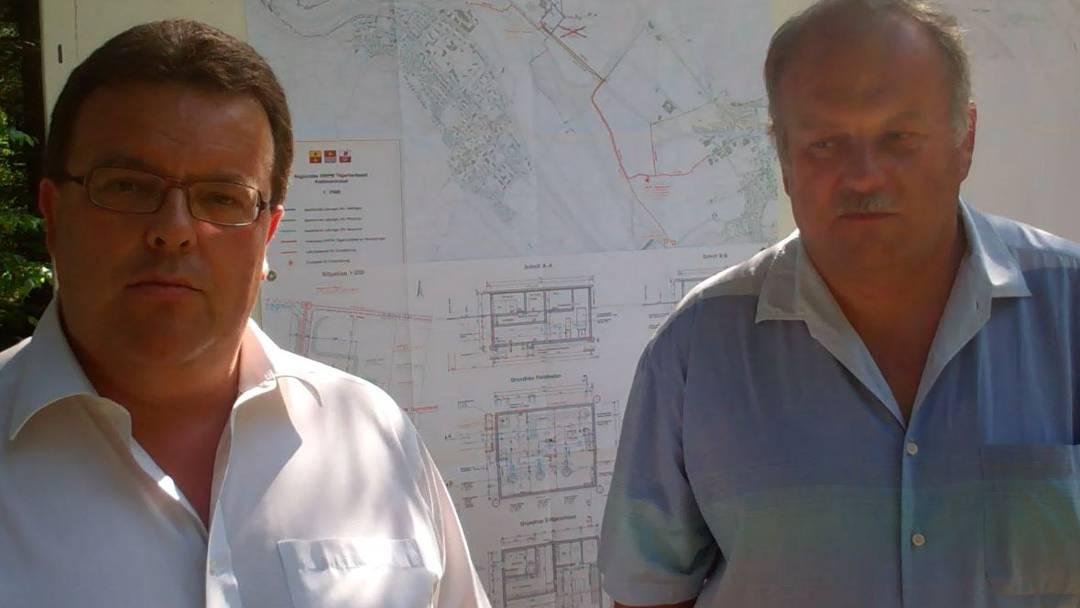 Die Gemeinderäte Daniel Schibli (Neuenhof) und Johannes Gabi (Würenlos) sprechen über das geplante Grundwasserpumpwerk im Tägerhardwald