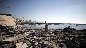 Ein bei einem Luftangriff zerstörter Polizeiposten in Gaza Stadt