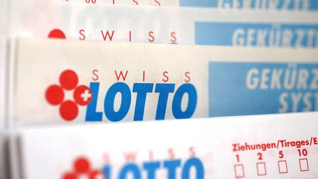 Vier Freunde gewinnen 46 Millionen Franken im Lotto