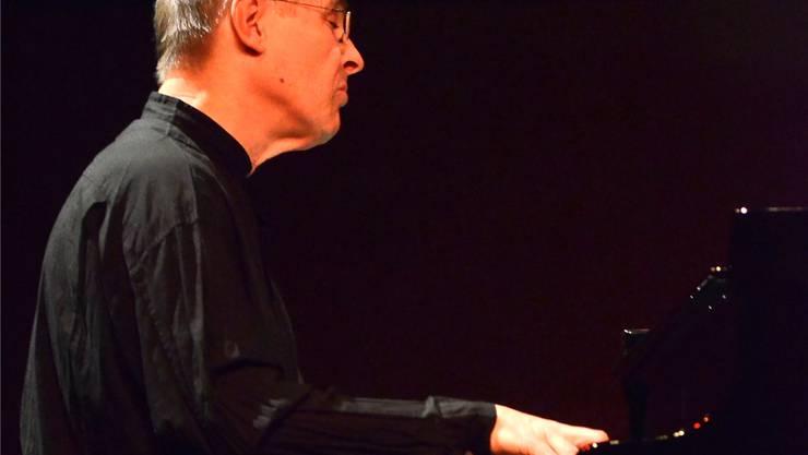 Der renommierte Pianist und Dirigent Christian Zacharias.