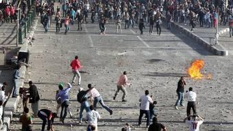 Strassenschlachten zwischen Anhängern und Gegner von Präsident Mursi