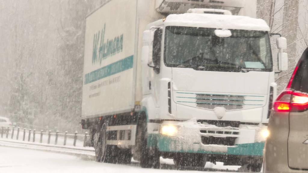 Termingerecht: Es schneit bis Tief ins Flachland