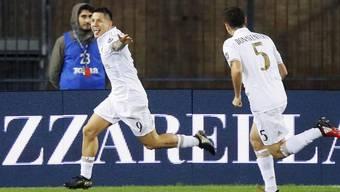 Milans Lapadula jubelt nach seinem Tor zum 1:0