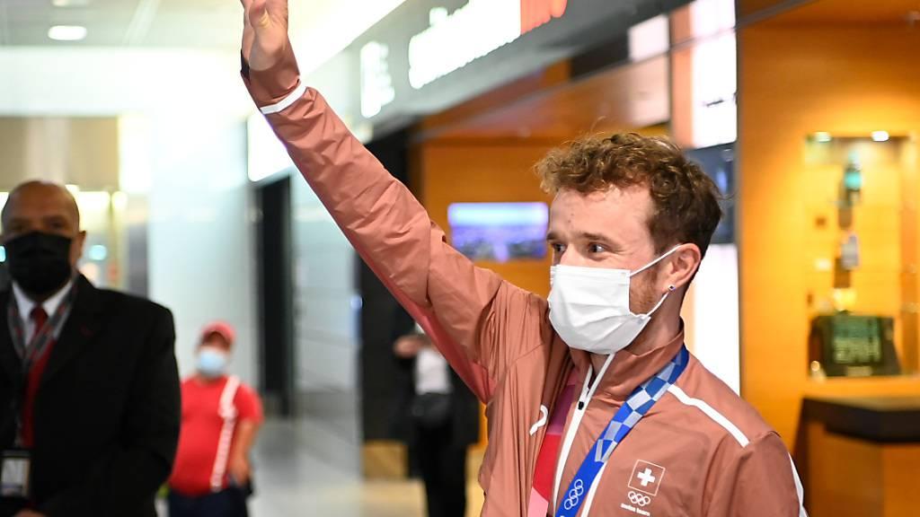 Zurück in der Heimat: Mountainbike-Silbermedaillengewinner Mathias Flückiger beim Empfang in Zürich-Kloten