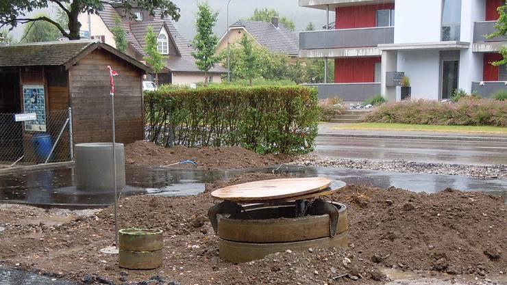 Der Garten für alle ist am Entstehen – auch bei Regen. EF.