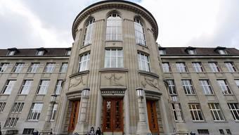 An den Schweizer Hochschulen wie hier an der Uni Zürich ist der Personalbestand in den letzten zehn Jahren stark gewachsen.