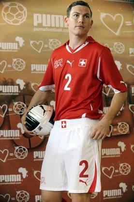Stephan Lichtsteiner: Rot steht ihm definitiv gut.