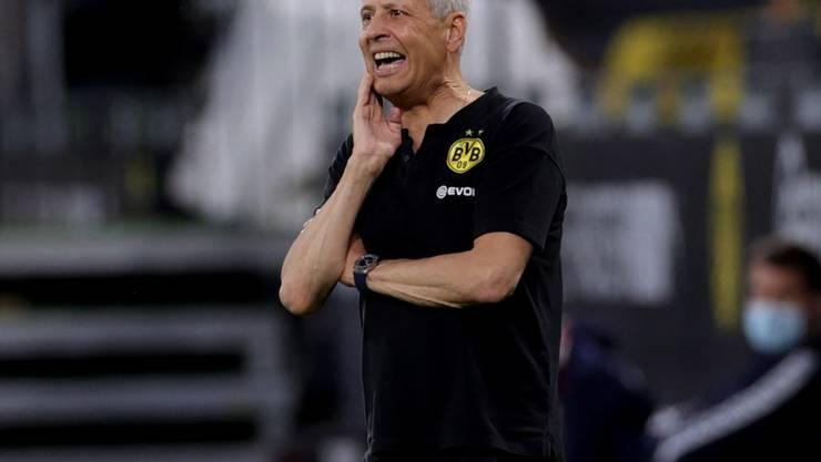 Lucien Favre gibt auch in der kommenden Saison als BVB-Trainer Anweisungen.