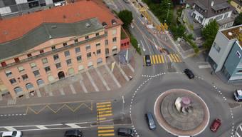 Stadt Aarau Sicht vom AEW-Hochhaus auf Turbinenkreisel IBAarau-Gebäude