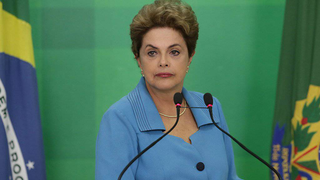 Brasiliens Präsidentin Dilma Rousseff äusserte sich am Montag erstmals selbst zur verlorenen Abstimmung über ein Amtsenthebungsverfahren gegen sie.