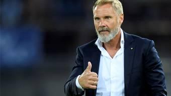 Daumen hoch: GC-Cheftrainer Thorsten Fink erlebt einen geglückten Einstand. Keystone
