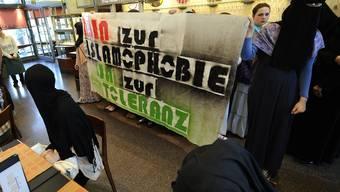 Islamische Jugend demonstriert in Luzern gegen Islamophobie