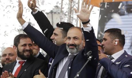 Armenier Wahlen Neues Parlament Regierungschef Will Mehr Macht Ausland Aargauer Zeitung