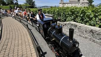 Die dampfenden Miniatur-Eisenbahnen in Le Bouveret VS faszinieren Klein und Gross (Archivbild)