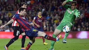 Messi (links) traf in der 74. Minute zur 2:1-Führung für Barcelona