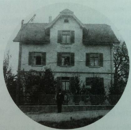 Die Eltern von Fritz Platten wohnten von 1905 bis 1923 im Haus «Ziergärtli» an der Bremgartnerstrasse 61 in Dietikon.