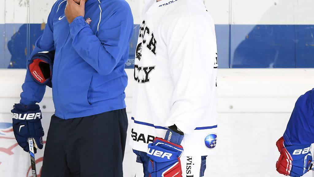 Fabrice Herzog (Bildmitte) ist noch für drei NLA-Spiele gesperrt