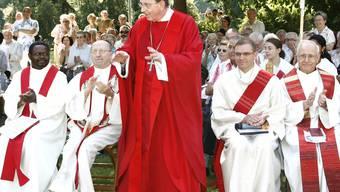 Abwesend präsent: Bischof Kurt Koch, hier bei einem Gottesdienst im Basler Kannenfeldpark, war indirekt Gegenstand der Diskussion. (Archiv NIZ)