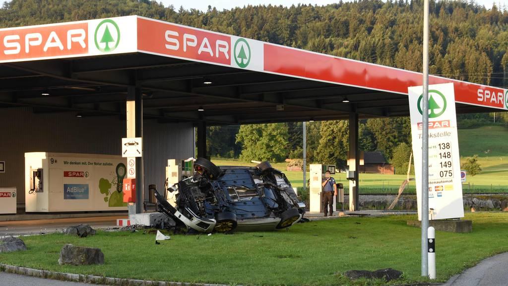 Unfall Gossau Spar-Tankstelle