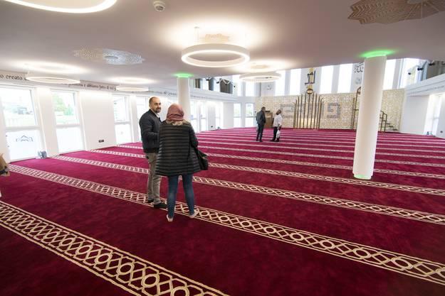 Der Gebetssaal im Erdgeschoss ist das Kernelement des islamischen Gotteshauses.