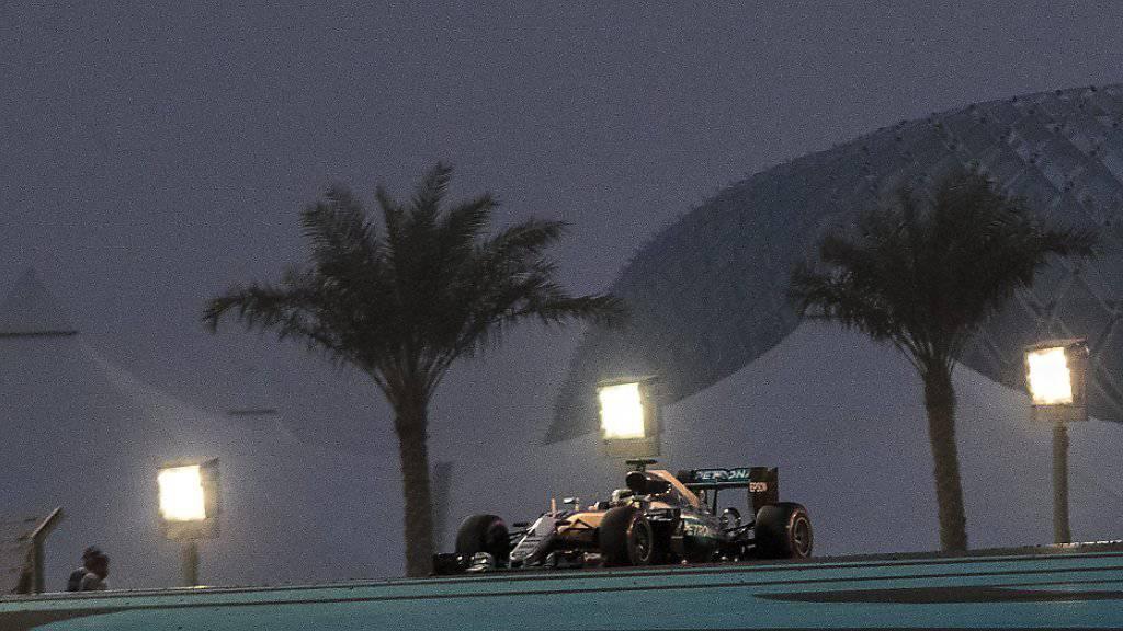 Unter Flutlicht holt sich Lewis Hamilton seine 61. Pole-Position