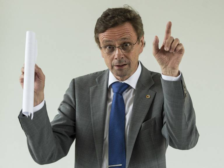 Hans-Jürg Käser ist überzeugt, dass der Druck auf die Schweiz steigt. KEYSTONE/PETER SCHNEIDER